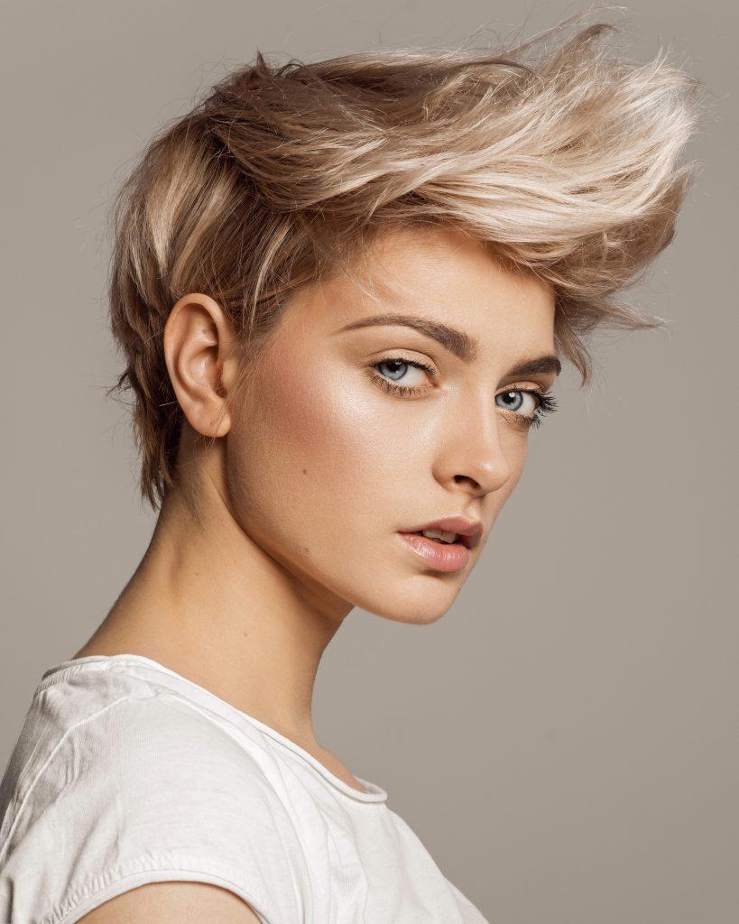 haircut broadbeach short blonde